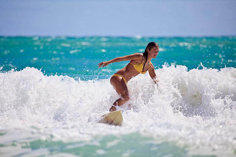 Meisje surfen